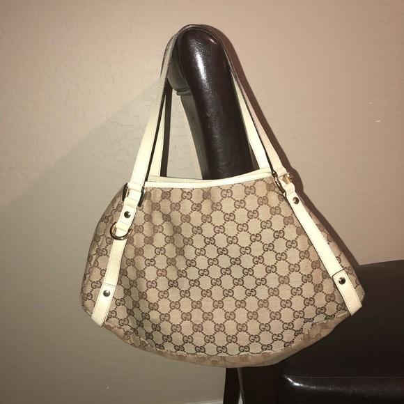 da295bbfd692 Gucci Handbags - GUCCI BROWN/EBONY GG MONOGRAM ABBEY MEDIUM TOTE